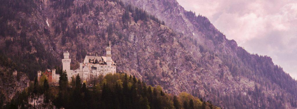 German castle Neuschwanstein German- English vocabulary words